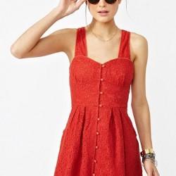 Düğmeli Kırmızı Yazlık Elbise Modelleri