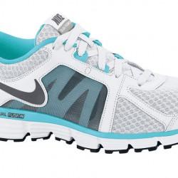 Nike Beyaz Yeni Sezon Koşu Ayakkabısı Modelleri