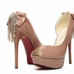 Püsküllü Rugan İnce Topuklu Ayakkabı Modelleri