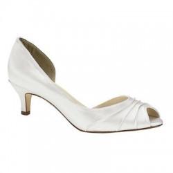 Şık Beyaz Ayakkabı Modelleri