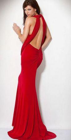 Sırt Dekolteli Kırmızı Balo Elbisesi Modelleri