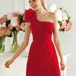 Sade Kırmızı Balo Elbisesi Modelleri
