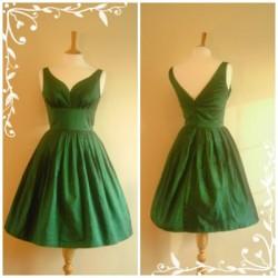 V Yaka Vintage Elbise Modelleri