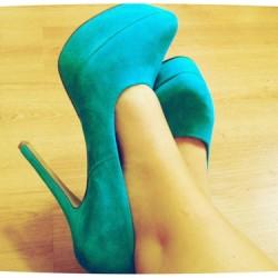Zarif ve Şık Su Yeşili Ayakkabı Modelleri