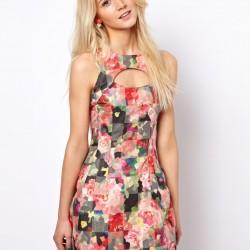 İddialı Çiçek Desenli Elbise Modelleri