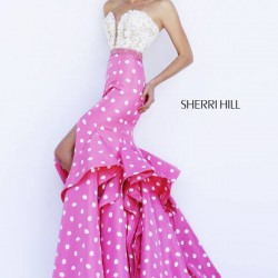 Puantiye Detaylı Pembe Sherri Hill Abiye Modelleri
