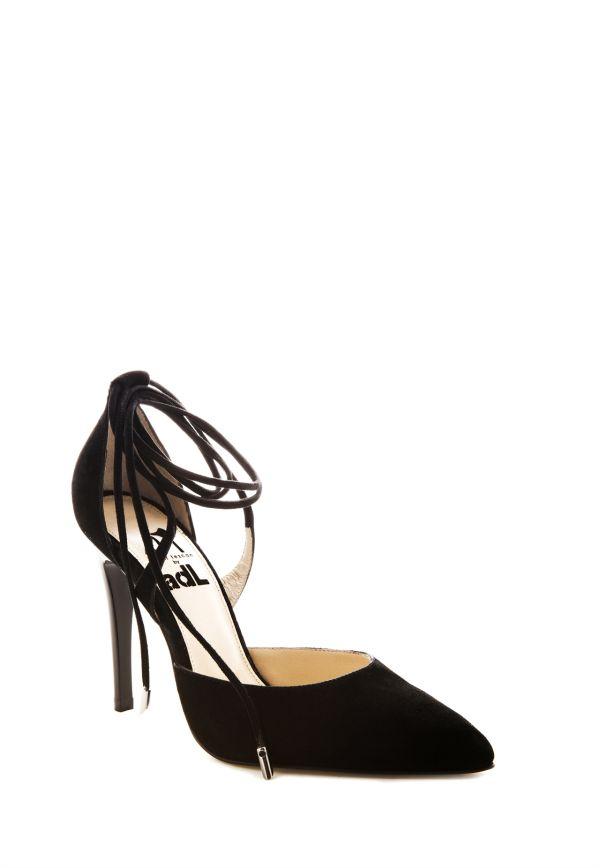 Siyah Bilekten Bağlamalı Adil Işık Ayakkabı Modelleri