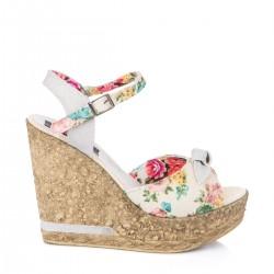 Çiçek Desenli Yazlık Dolgu Topuk Ayakkabı Modelleri