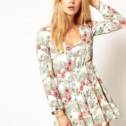 İddialı Yazlık Çiçekli Elbise Modelleri