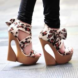 Farklı Yazlık Topuklu Ayakkabı Modelleri
