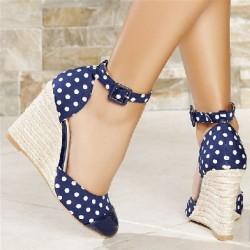 Puantiye Desenli Dolgu Topuk Yazlık Topuklu Ayakkabı Modelleri