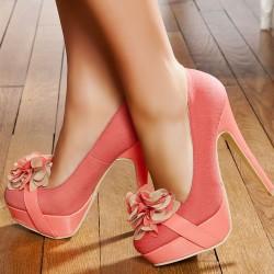 Pudra Rengi Çiçek Motifli Yazlık Topuklu Ayakkabı Modelleri