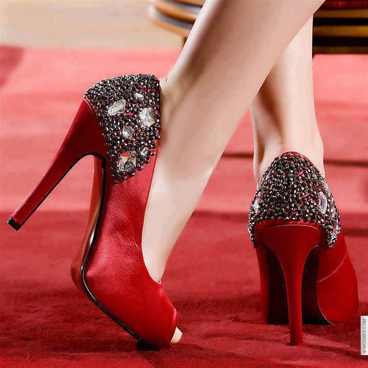 Taş Süslemeli Kırmızı Yazlık Topuklu Ayakkabı Modelleri