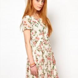 Yeni Yazlık Çiçekli Elbise Modelleri