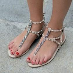 Zımba Detaylı Taşlı Sandalet Modelleri