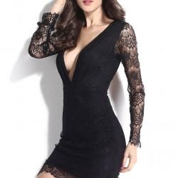 Derin Dekolteli Siyah V Yaka Elbise Modelleri