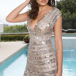 Dekolteli Gri Taş İşlemeli Elbise Modelleri