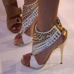 En çılgın zımbalı ayakkabı modelleri