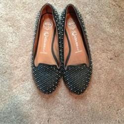 Günlük giyebileceğiniz zımbalı ayakkabı modeli