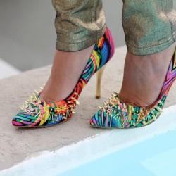 Rengarenk zımbalı ayakkabı modeli