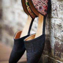 Sade Etnik Desenli Ayakkabı Modelleri