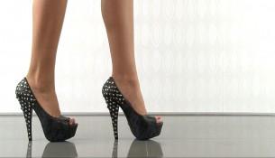 Siyah çok şık zımbalı ayakkabı modeli
