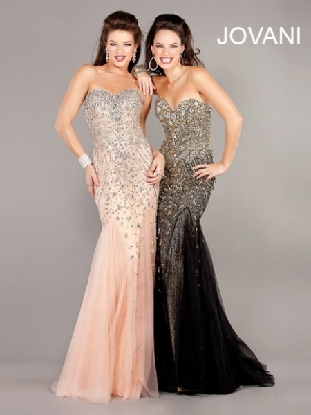 Straplez Taş İşlemeli Elbise Modelleri