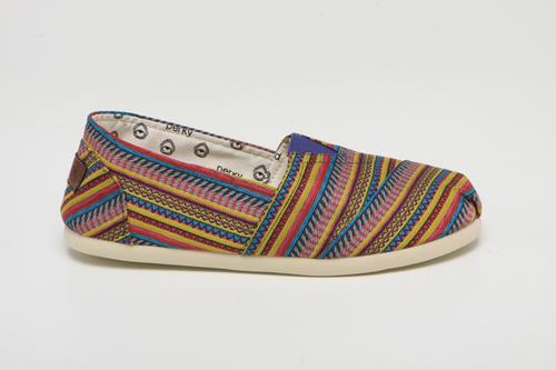 Toms Etnik Desenli Ayakkabı Modelleri