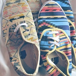Yeni Etnik Desenli Ayakkabı Modelleri