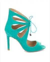 En farklı tarzda su yeşili ayakkabı modelleri
