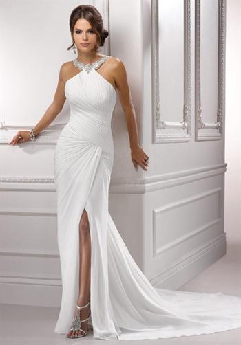 En iddialı askılı elbise modelleri
