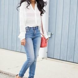 Yüksek Bel Kot Pantolon ve Beyaz Gömlek Kombini