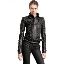 Bayan Zımbalı Ceket Modelleri ve Siyah Kombini