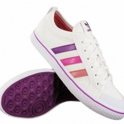 En Moda Adidas Düz Taban Ayakkabı Modelleri