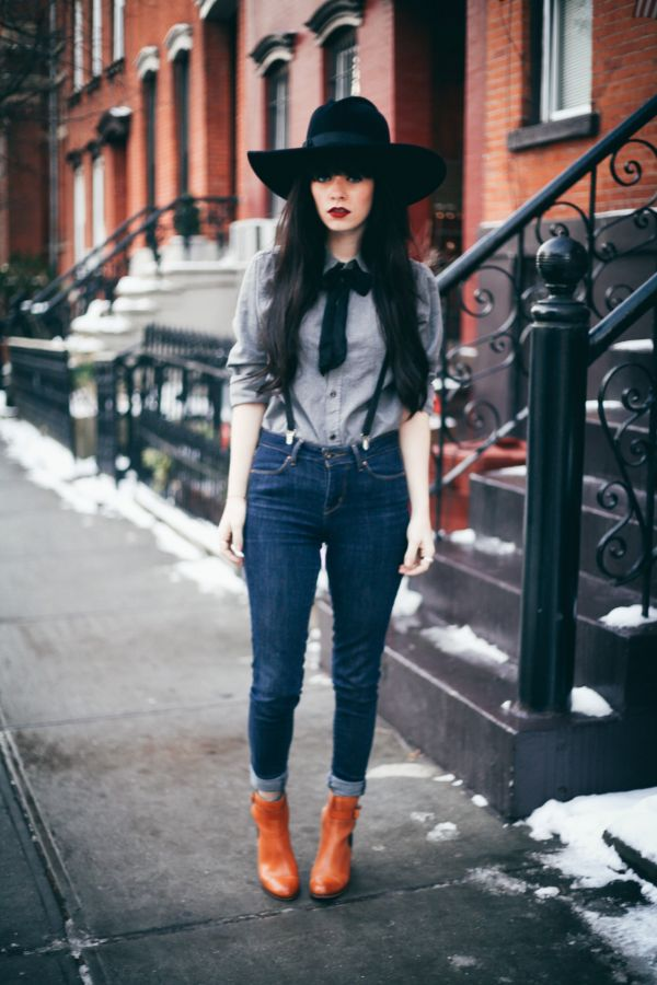 Yeni Sezon Askılı Kot Pantolon Modelleri