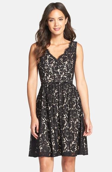 Dantel İşlemeli Kloş Elbise Modelleri