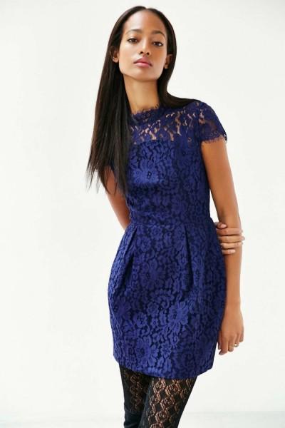 Renkli Dantel Süslemeli Elbise Modelleri