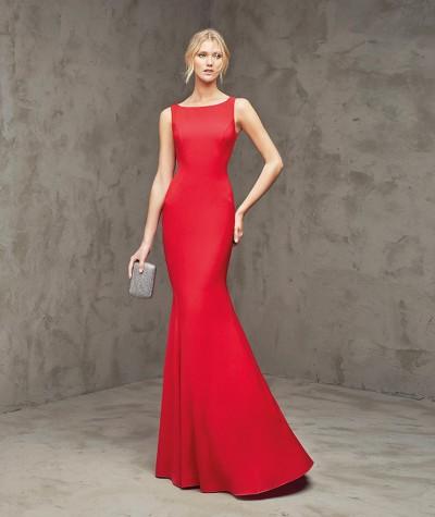 Kırmızı Renkli Çok Zarif Pronovias Abiye Modelleri