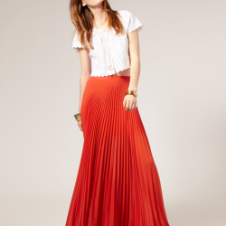 Kırmızı Uzun Pileli Etek Modelleri