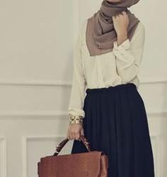 18 Yaş Bayan Tesettür Giyim Modası