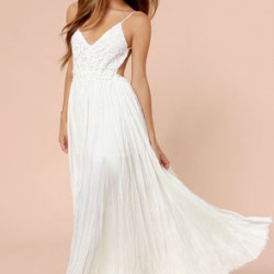 Beyaz Renk Uzun Parti Elbise Modelleri