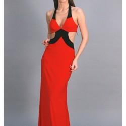 Dekolteli Kırmızı Sİyah Elbiseler İddialı Bayanların Tercihleri Arasında Yer Almakta