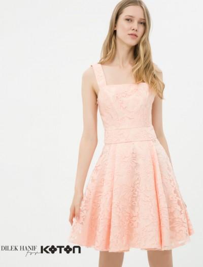 Dilek Hanif İmzası Taşıyan Muhteşem Koton Tasarımlar, Güpür Detaylı Somon Elbise Modeli