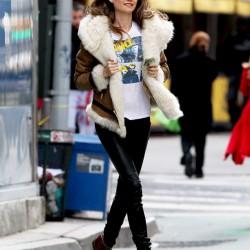 Victoria Secret Modeli Behati Prinsloo New York Sokaklarında Muhteşem Tayt Pantolon Kombini İle