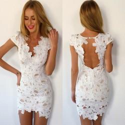 Sırtı Dekolte Detaylı Beyaz Dantelli Elbise Modeli
