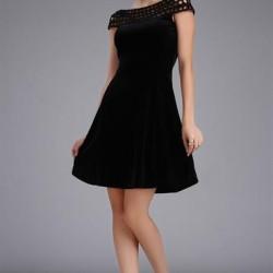 Siyah Renkli Çok Kibar Örgü Yaka Detaylı Kadife Elbise Modeli