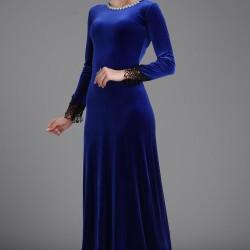Mavi Renkli Çok Şık Yakası Taş İşlemeli Patırtı Kadife Abiye Modeli