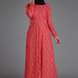 Bel Kısmı Kuşaklı Çok Güzel Patırtı Tesettür Elbise Modeli