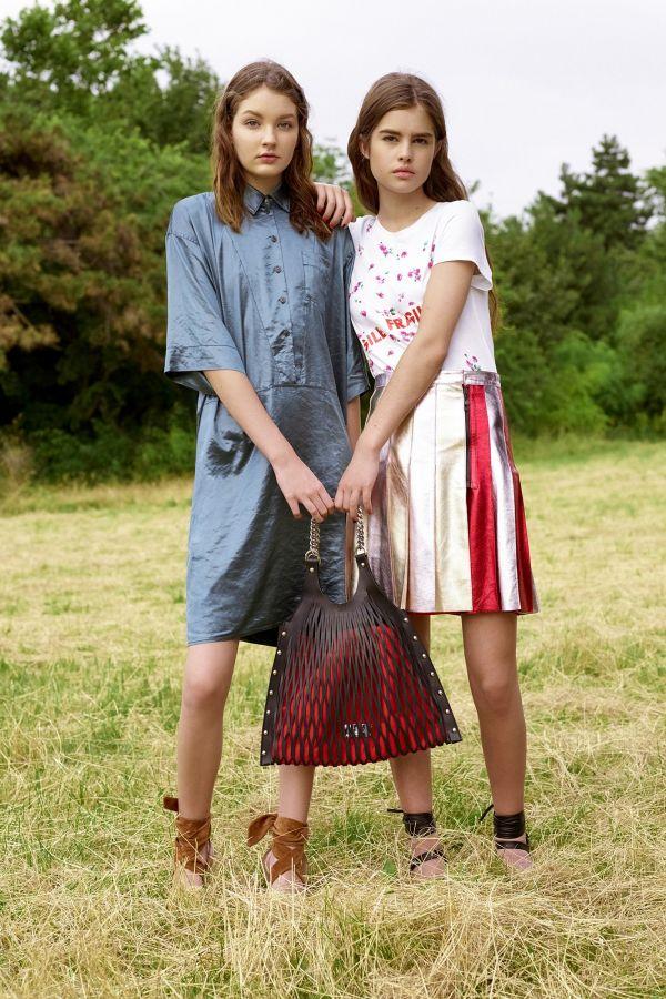 Liseli Genç Kızlar İçin En Moda Kıyafet Kombin Görselleri