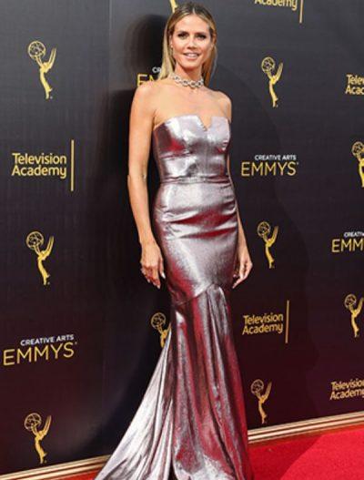 Heidi Klum Metalik Renk Elbisesi